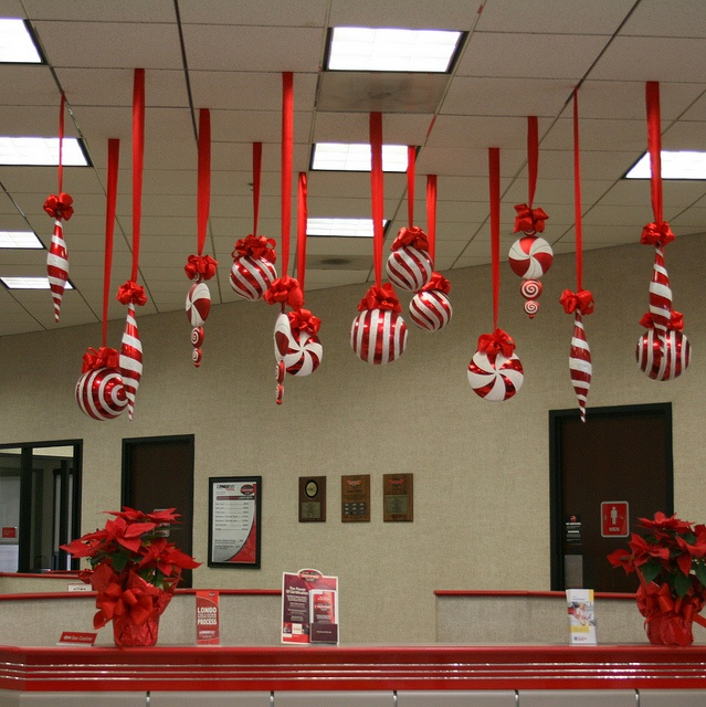1000+ Images About Christmas Ceiling Decor On Pinterest