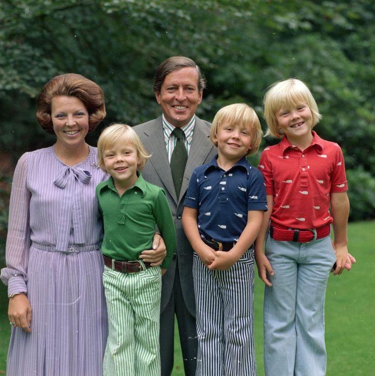Prinses Beatrix, Constantijn, Prins Claus, Friso en Willem Alexander
