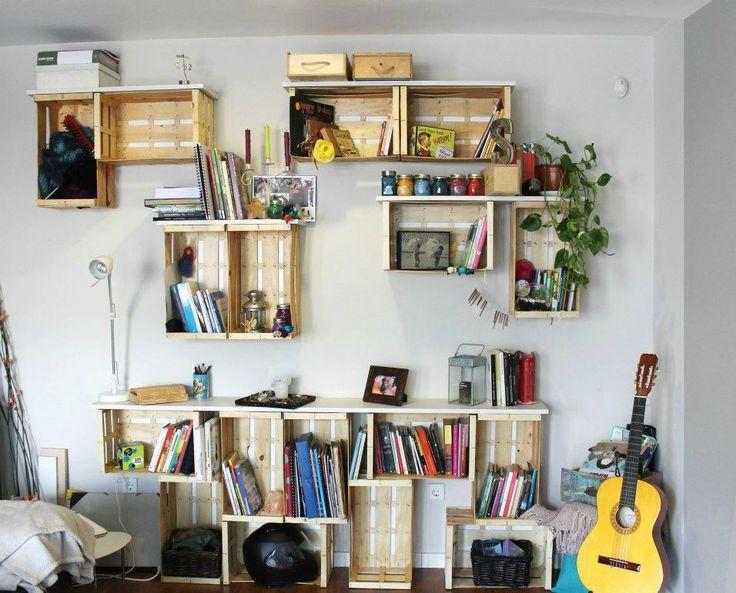 ecco come riempire gli spazi di una casa utilizzando delle cassette di legno
