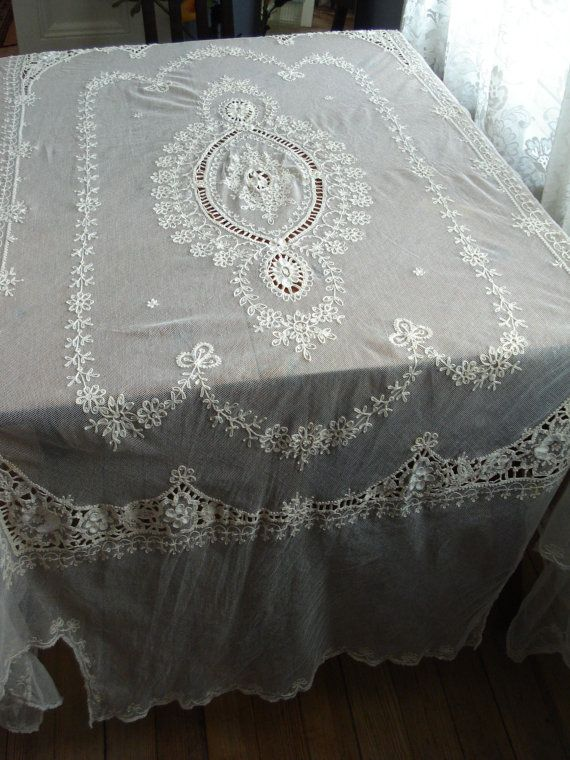 Vintage 1920s French Normandy Lace Bedspread Coverlet 2013196