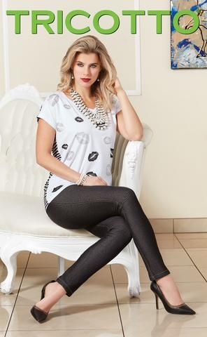 616 (Lips t-shirt only) Print front only, back navy/white stripe