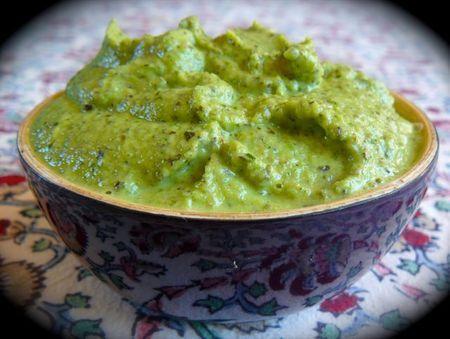 Pesto de courgettes… une «légumaise» sur Chaudron+Pastel+de+Mély