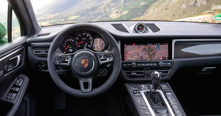 The Porsche Macan Turbo, the new flagship model in the range, offers particularl…