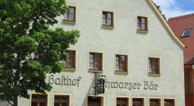 Gasthof Schwarzer Bär Kastl This traditional family-run hotel is set in a picturesque location in the Bavarian market-village of Kastl, in the Lauterachtal (River Lauterach Valley), amid the Franconian Jura mountain range.