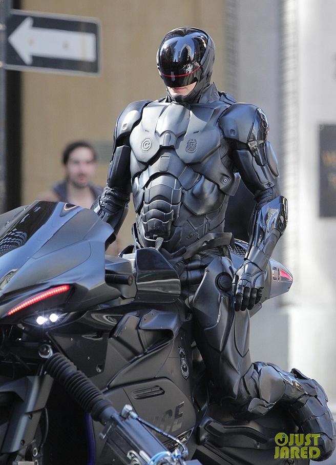 Highly detailed look at Joel Kinneman's Robocop remake.