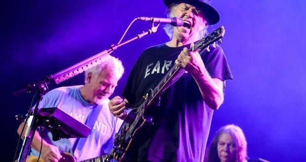Neil Young & Crazy Horse ©Benoit Facchi/Foire aux Vins Colmar 2014
