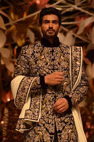 India Bridal Fashion Week (IBFW) was held in New Delhi with Indian designers showcasing wedding sarees and bridal lehengas.