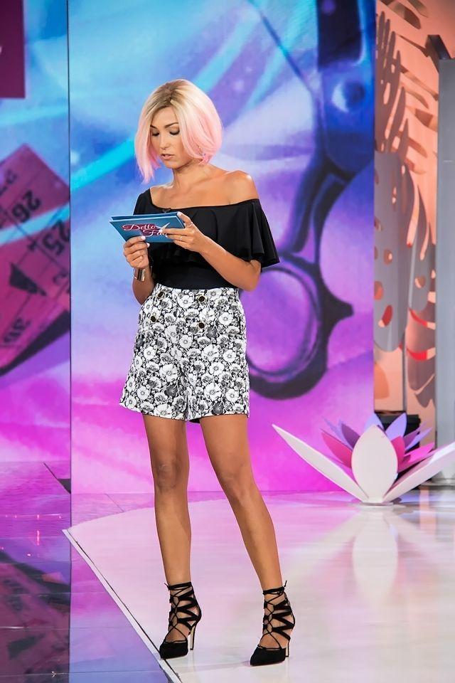 Detto Fatto: Look della settimana | Caterina's secrets - Il blog ufficiale di Caterina Balivo BLACK BODY DAIQUIRI LIME FLORAL SHORTS SIMONA CORSELLINI HEELS BIANCA D