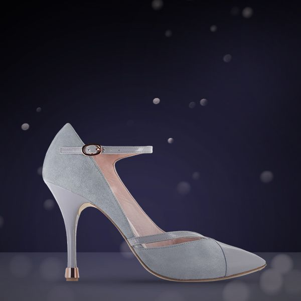 For a wonderful Christmas waltz, Veronika Mary-Jane in a new shade of grey « petit rat » from Repetto