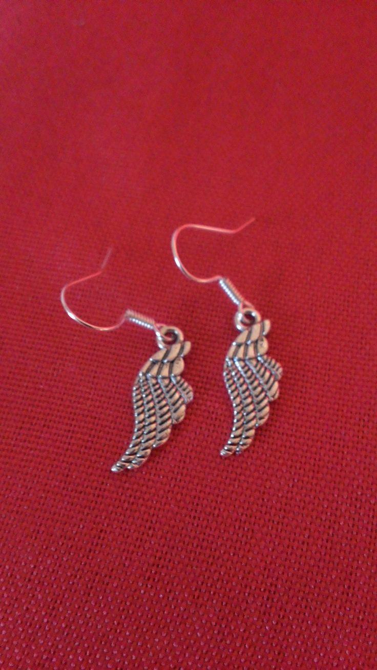 Boucles d'oreilles ailes d'ange sur crochet en métale argenté : Boucles d'oreille par creas-de-sabi