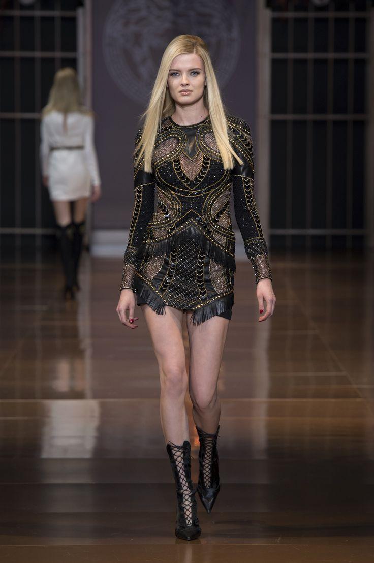 Versace Women 39 S Wear Fw14 15 Fashion Show Versace