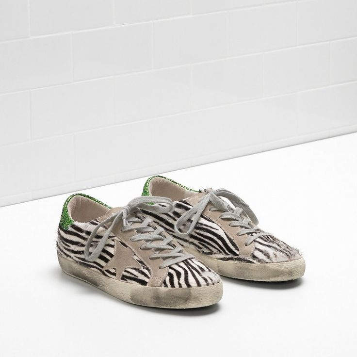 Golden Goose Super Star Sneakers In Suede Green Men - Golden Goose / GGDB #ggdb #sneaker #fashion #superstar #lifestyle #simplyonly #fashion