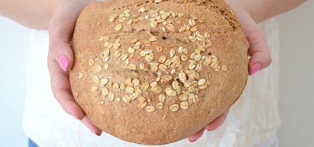 Speltbrood recept - Uit Paulines Keuken  Ingrediënten voor 1 brood 250 gr speltmeel 250 gr speltbloem 10 gr zout 7 gr droge gist 320 gr lauw water Evt. wat havervlokken