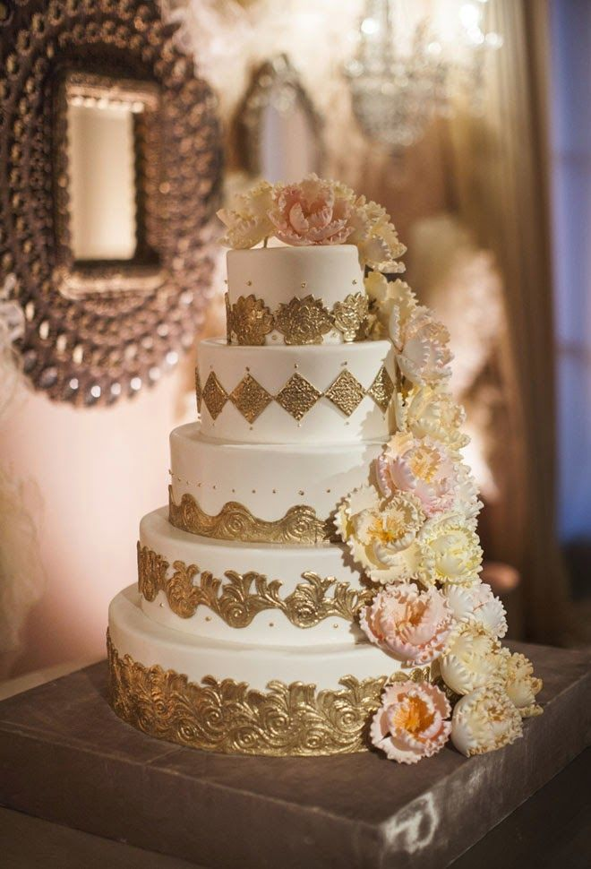 12 Glamorous metálicos Pasteles de Boda - Belle The Magazine. El Blog de la boda para la novia sofisticada