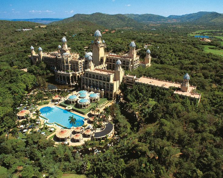 Sun City is a well know South African holiday resort. Famous people and bands such as Frank Sinatra, Queen, Ray Charles, or Elton John performed there. Sun City offers luxurious hotels, golf fields, swimming pools, casinos, and beautiful forests surrounding the resort.
