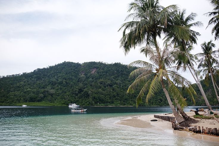 Pulau Pasumpahan, Sumatra Barat