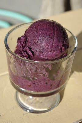 Blackberry Sorbet Recipe - only uses four ingredients and comes together in less than five minutes! Now that's my kind of dessert!