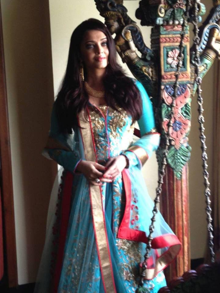 #Aishwarya Rai Bachchan looks Stunning in #JADE's Chic Lehenga Ensemble at Kalyan Jewellers Launch in Surat! #JADEbyMK