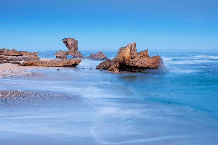 CARRIAGE ROCK  Kenton-On-Sea, Sunshine Coast.  Photo by: Hougaard Malan.