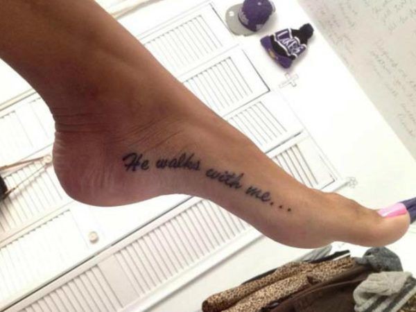 ¿Buscas frases cortas para tatuajes?  Podemos encontrar frases cortas en  casi todos los idiomas como español, inglés, latín, italiano o francés.  En Tendenzias  hemos recopilado una selección de las mejores frases para  hacerte tatuajes con fotos, porque algunas frases son más que palabras, nos trasmiten emociones…