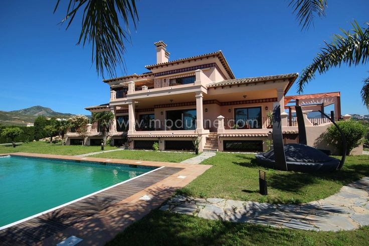 Villa in Capanes del Sur with spectacular sea views