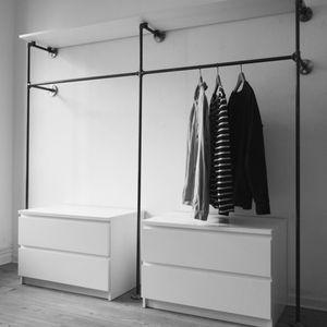Industriedesign aus Stahlrohr · Kleiderschränke, Kleiderständer, Kleiderstangen · Modulare und offene Kleiderschranksysteme · Garderoben, Wandgarderoben · Open wardrobe · Open closets, clothing racks,