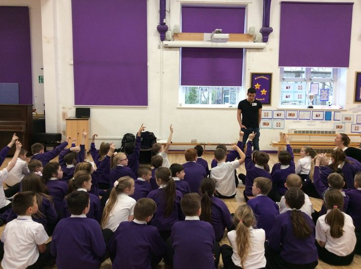 Thackley Primary @ThackleyPrimary  Feb 15 More  KS2 had a great day talking to @tompalmerauthor today! #WeLoveReading