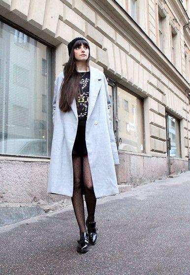 Get this look: http://lb.nu/look/7939196  More looks by Paz Halabi Rodriguez: http://lb.nu/pazhalabirodriguez  Items in this look:  Sheinside Grey Coat, Topshop Flowered Sweatshirt, Zara Knit Mini Skirt, Zara Mocassins   #casual #chic #street #blogger #newpost #santiago #chile #barcelona #madrid