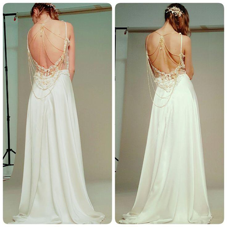 Vestido con una hermoso escote de espalda