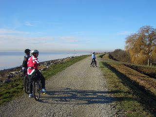 Let's Go Biking !: #26A Mud Bay to Boundary Bay Dyke Trail