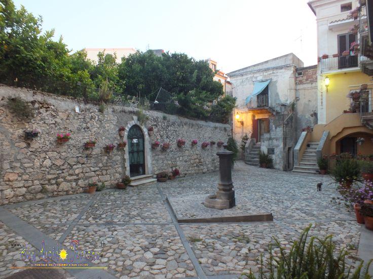 Uno scorcio di autenticità nel centro storico. www.sanlucidoturismo.it