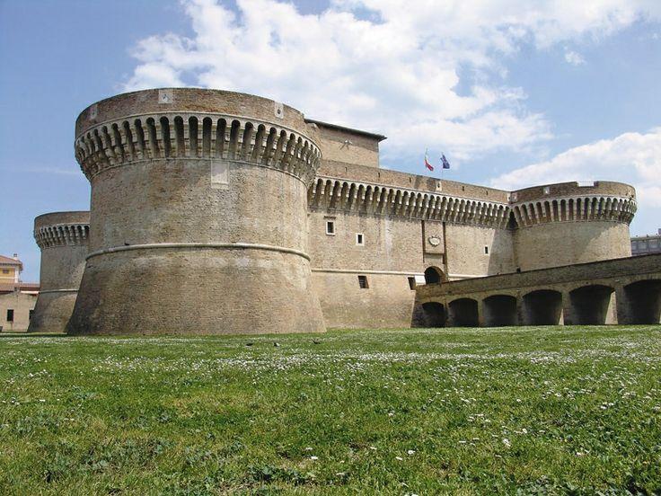 Marche - Senigallia rocca dei Della Rovere. 43°42′47.2″N 13°13′06.06″E