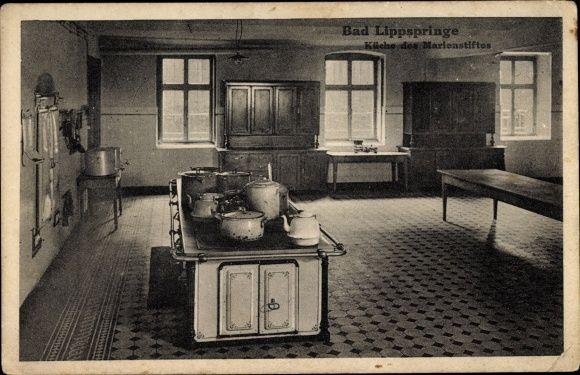 Ansichtskarte / Postkarte Bad Lippspringe im Kreis Paderborn, Küche des Marienstiftes, Herd, Töpfe