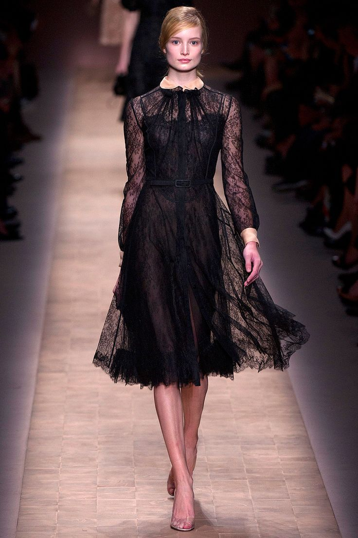 Valentino Spring 2013 RTW - Review - Fashion Week - Runway, Fashion Shows and Collections - Vogue - Vogue