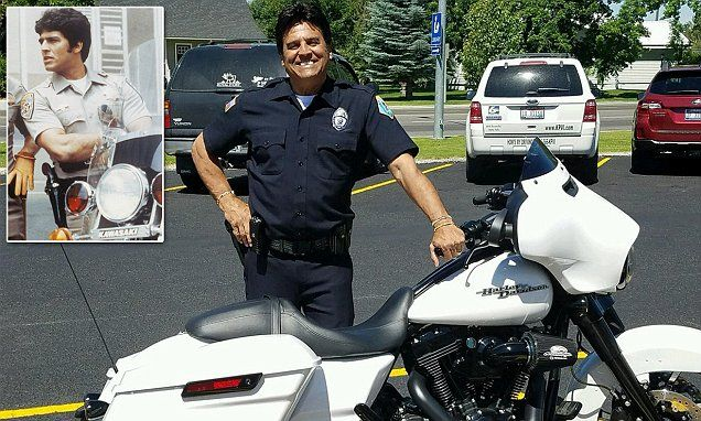Erik Estrada becomes a reserve police officer 40 years after CHiPs