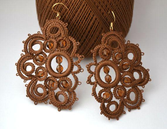Orecchini pizzo chiacchierino bronzo e perle topazio,tatting earrings,frivolitè ,bronze, fatto a mano, sofisticated earrings