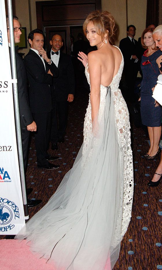 Jennifer Lopez Looks Angelic In This Beautiful White Dress At A Charity Gala, 2010