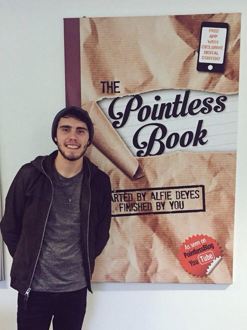 Pointless blog - The Pointless book. Het boek geschreven door de Britse youtuber Alfie Deyes, beter bekend als Pointless blog.