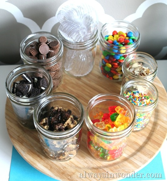 Lazy Susan For Ice Cream Toppings / Love the toppings in mason jars , it's a great way for the kids to see what topping they want.