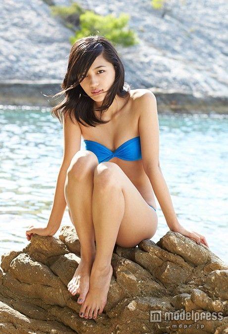 (画像3/3) 川口春奈、SEXY水着ショットで大人の色気 初の下着姿も