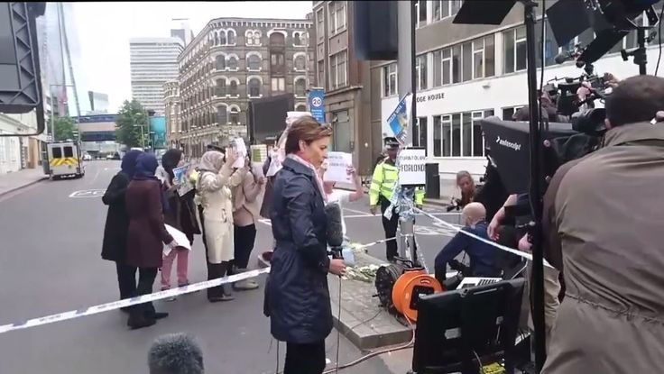 London-Massaker: CNN inszeniert muslimische Demonstration gegen Islam-Terror – philosophia perennis
