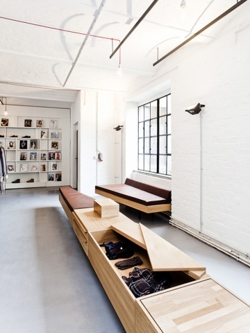 K-MB Showroom  by Sigurd Larsen