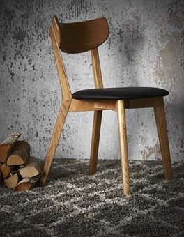 Holger chair. Lacquered solid oak with seat in black leather