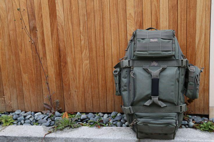 베스트셀러 모델 알바트로스를 풀몰리한 Set구성입니다. 탁월한 여행가방으로는 물론 파우치를 각각 따로 사용할 수 있기때문에 더욱 매력적인 구성입니다. 풀몰리Set는 10%할인된 가격에 만나보실 수 있으니 공식홈페이지에서 확인해보세요.  http://www.magforcekorea.com  #magforce #magforcekorea #backpack #albatross #travelbag #bag #맥포스 #맥포스코리아 #백팩 #알바트로스 #여행가방