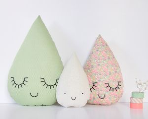 Famille goutte Liberty - Betsy Ann C. Everything in this shop is adorable.