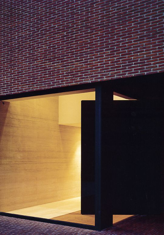Nothing beats pivoting doors in making a generous entrance. Vincent van Duysen's VDV-G house.