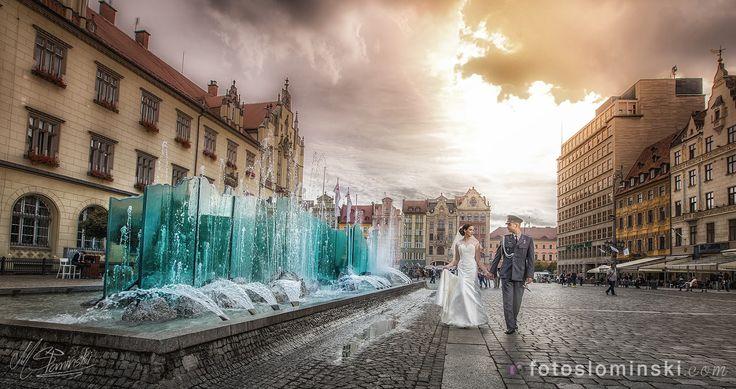Tak pięknie było wczoraj we #Wrocławiu Siły Powietrzne Wojska Polskiego - Asia i Lisek. Miejsca na sesje ślubną / plenerową we Wrocławiu ? Oczywiście #Wrocław #Rynek i okolice - Fotografia ślubna Fotoslominski #ZdjęciaSłomińskiego .