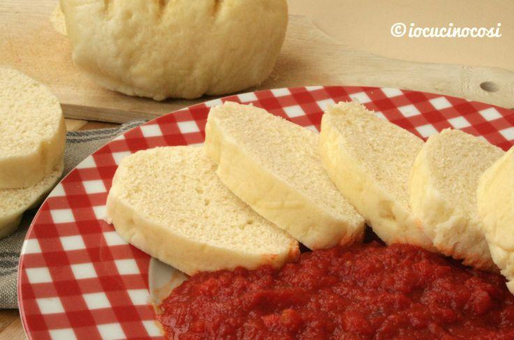 Ricetta Panini al latte cotti al vapore - #Knedliky - Ricetta ucraina #giallozafferano #bloggz #iocucinocosi #food #recipe #bread