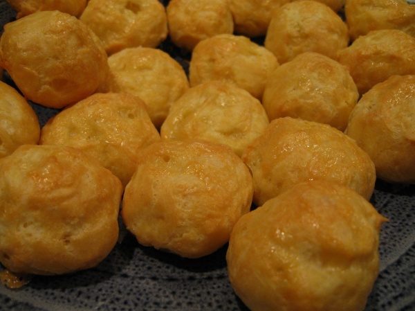 Cheese puffs yummy hors d'oevres