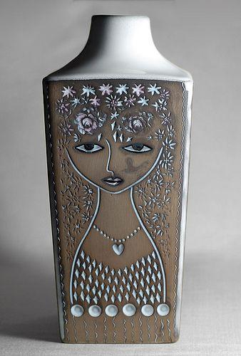Mari Simmulson; Glazed ceramic Vase for Upsala Ekeby, 1960s.